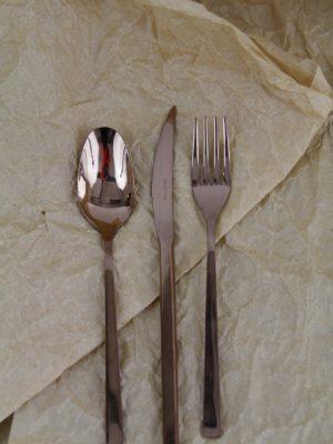 goudgeel dineer set