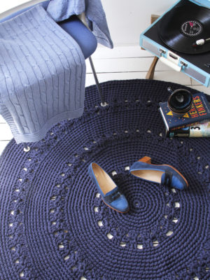 styling blankets jeans blue
