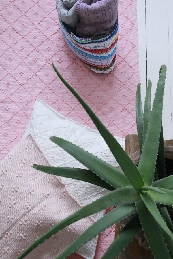 diamond rug bubblegum pink large
