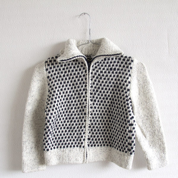 knitted woolen cardigan spots off-white 7 year